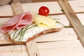 Le jambon blanc, bio, rose et sans nitrites ni nitrates existe et il est français…