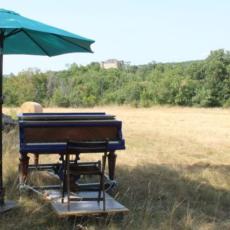 Le piano bleu poursuit sa route